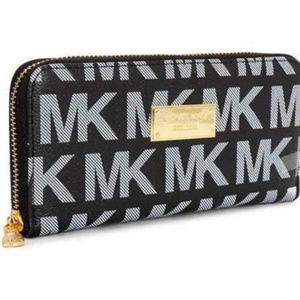 Michael Kors Continental Logo Large Black Wallets